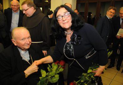 """Premiera filmu dokumentalnego """"Wygnaniec"""", poświęconemu abp Eugeniuszowi Baziakowi"""